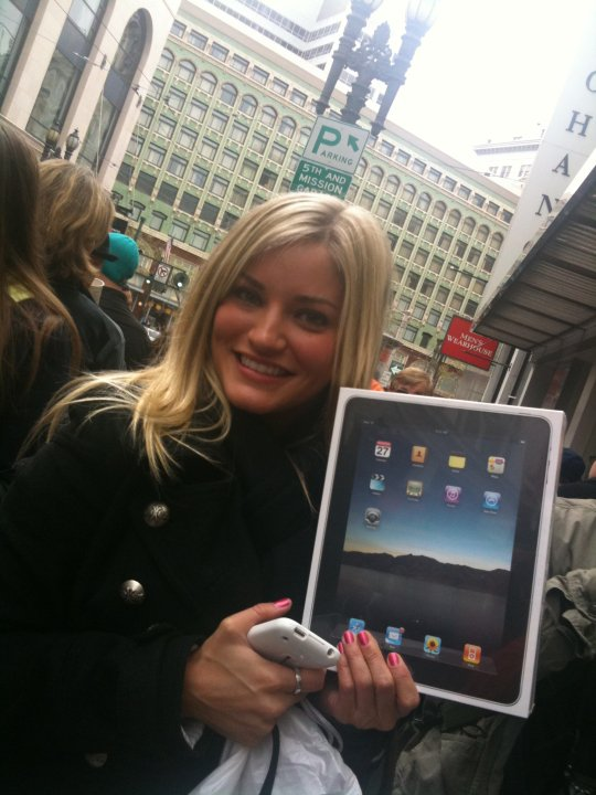 Thanks for saying hello, iJustine!